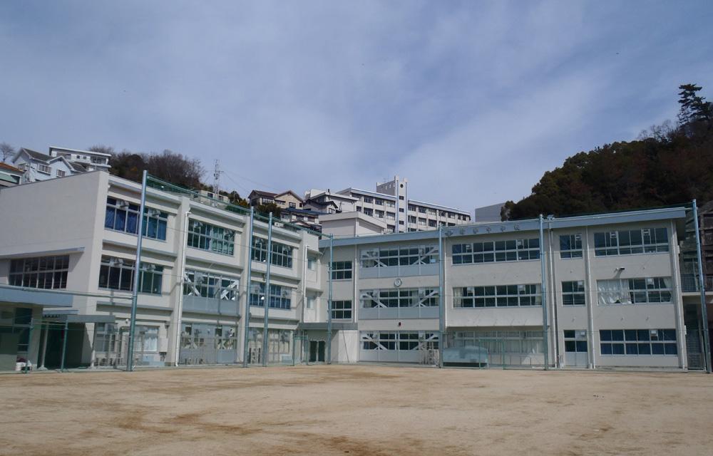 坊勢中学校